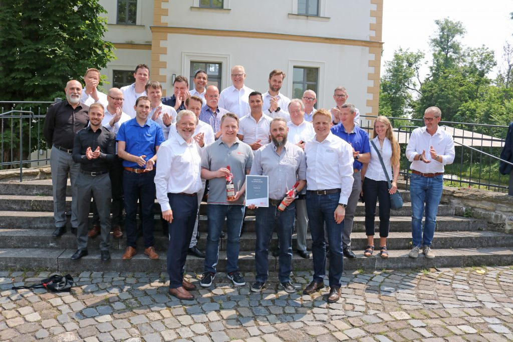 EasyGates Direct receiving the Growth Award at the ASO Safety Solutions event in Lippstadt, Germany.